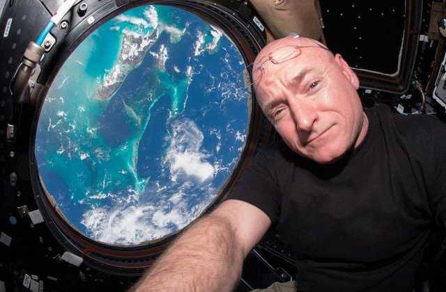 Cum să faci față izolării: sfaturi de la astronauți care au stat singuri luni în șir