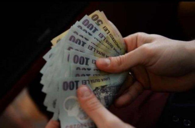 Suma imensă pe care statul o poate economisi dacă trimite bugetarii în șomaj tehnic