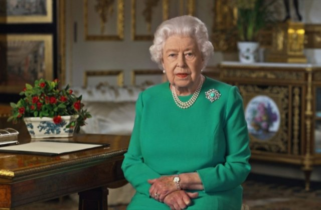 """VIDEO Regina Elisabeta: """"Paștele nu este anulat. Coronavirusul nu ne va învinge"""""""