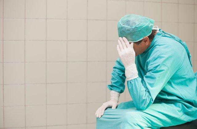 812 cadre medicale din România, testate pozitiv cu COVID-19