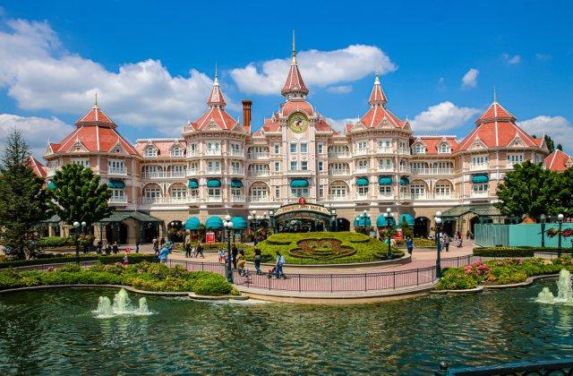 Disney a trecut în concediu fără plată peste 100.000 de angajați din cauza COVID-19