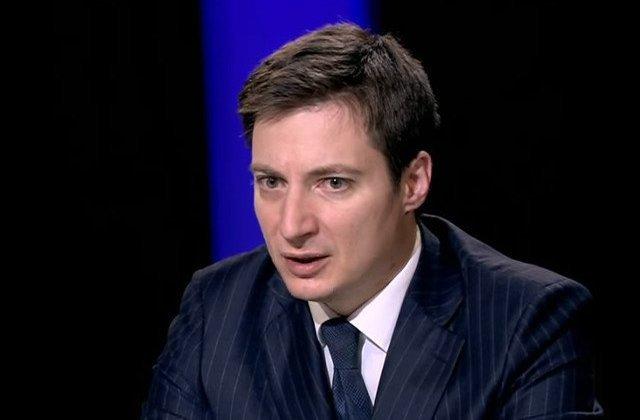 """Caramitru: """"Pimen, securist și înalt prea ierarh, e dus cu elicopterul la Balș, deși NU e în stare gravă"""""""