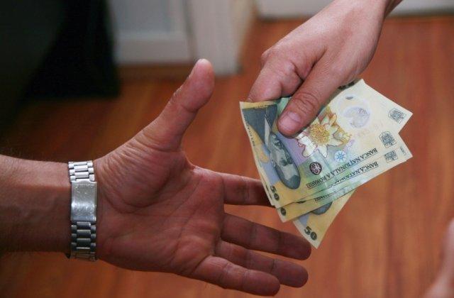 Pro România propune venitul minim garantat, de 1.500 de lei. Cine se încadrează