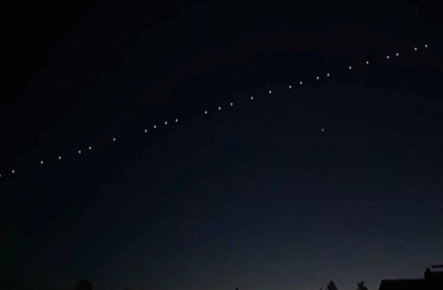 VIDEO Sateliți Starlink, lansați de SpaceX, vizibili de pe cerul României