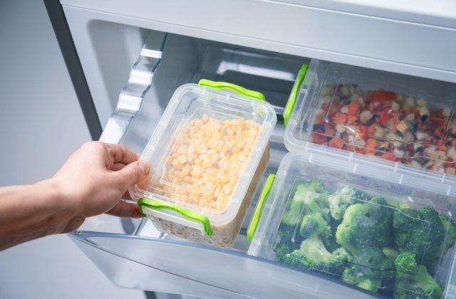 Cum ții alimentele proaspete mai mult timp: 4 sfaturi la îndemână
