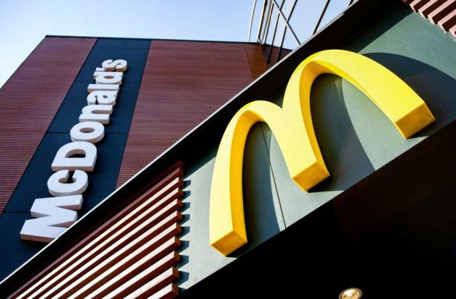 O femeie a împușcat un angajat al McDonald's pentru că nu a lăsat-o să mănânce în restaurant