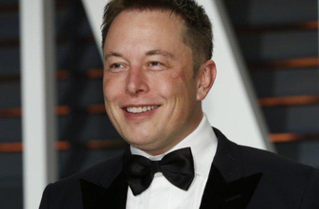 VIDEO Elon Musk: Vorbirea umană va deveni demodată în următorii cinci ani. Vom comunica prin chipuri implantate în creier