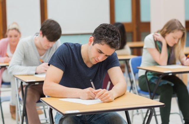 """Rafila, avertisment despre școli și susținerea examenelor finale: """"Nu trebuie să fim rigizi în soluții"""""""