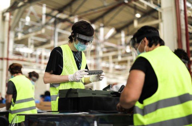 Ford a donat 22.000 de viziere produse la uzina de la Craiova: echipamentele au ajuns la 40 de instituții publice din județul Dolj