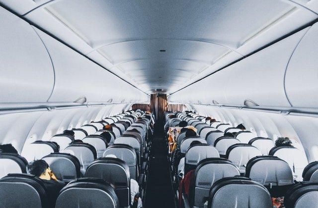 VIDEO cat de repede se poate transmite noul coronavirus în avion