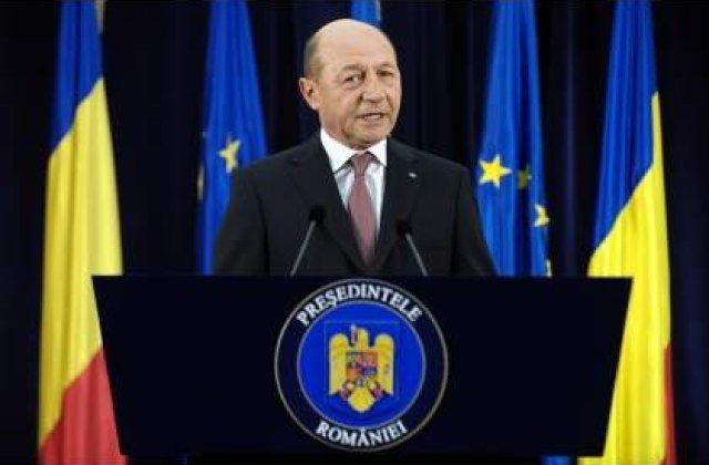 Basescu: Mesajul raportului - Nu va jucati cu statul de drept, reveniti-va in abordarea politicienilor