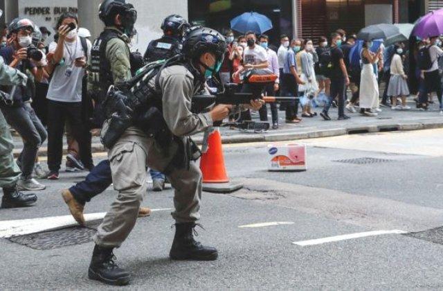 Au reînceput protestele în Hong Kong. Poliția a tras cu arme cu piper și a dezlănțuit haosul