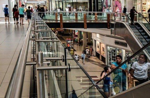 Ministrul Economiei anunță redeschiderea mall-urilor. Când vom putea merge la shopping