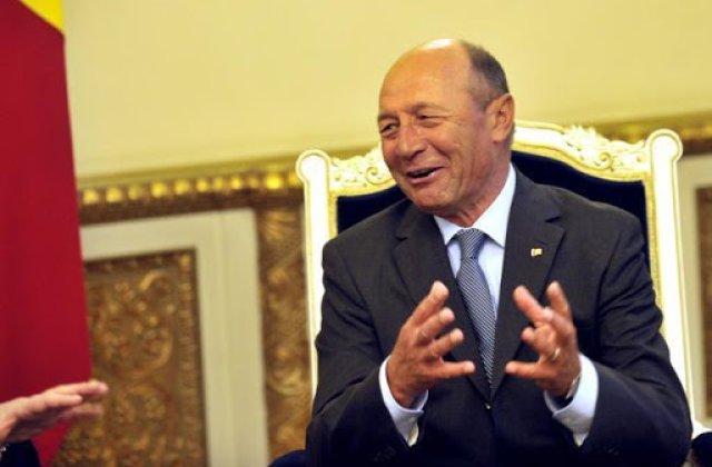 """Băsescu, declarație controversată: """"Eu mențineam starea de urgență până în 15 iunie"""""""
