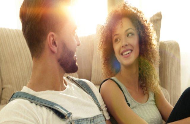 5 situații în care este OK să minți într-o relație