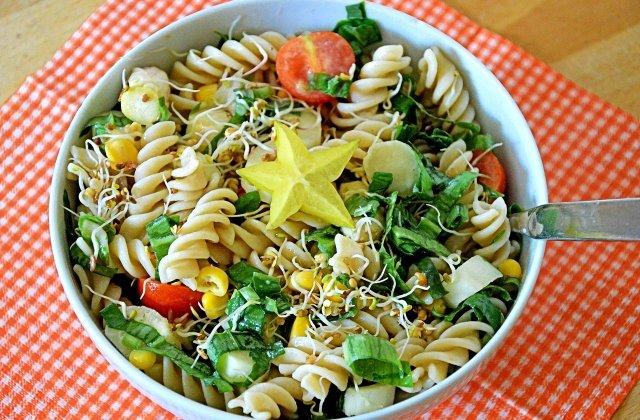 Salatele verii: 5 rețete savuroase și simplu de realizat