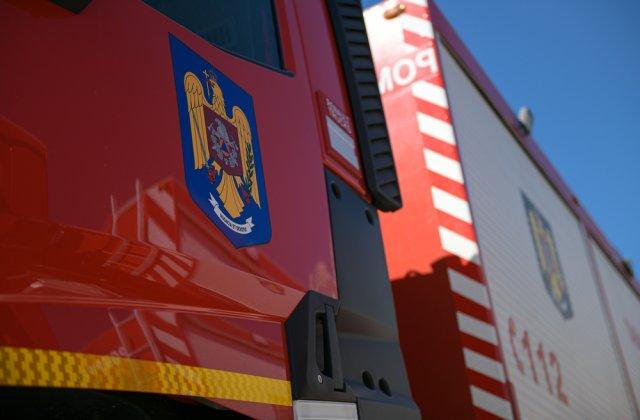 Un autocar cu 46 de pasageri a luat foc pe DN1, în Azuga. Persoanele s-au autoevacuat