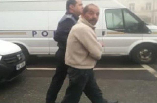 Bărbatul care și-a violat fetița de 6 ani s-a întors acasă a doua zi după ieșirea din arest