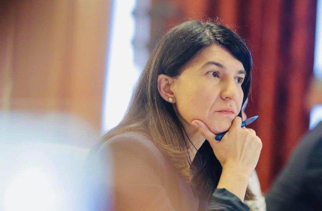 Ce i-a transmis ministrul Muncii femeii care primește salariu 700 lei/ lună