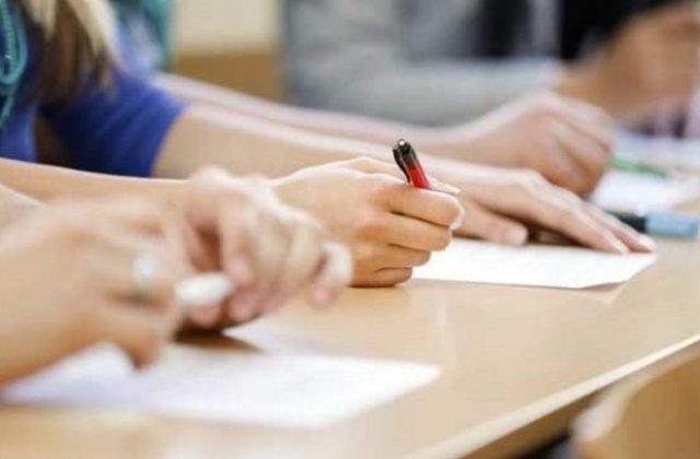 Gafă la Bac: elevii unui liceu din Cugir au primit subiectele din 2019. Au dat proba la Geografie de două ori