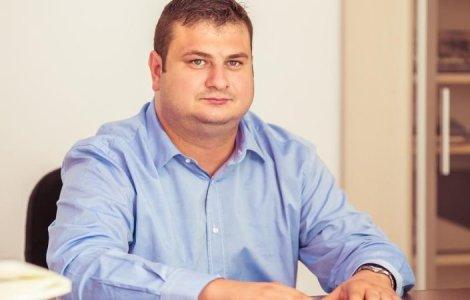 """Deputatul cu """"ciasuri"""" a devenit membru în comisia de control SRI"""