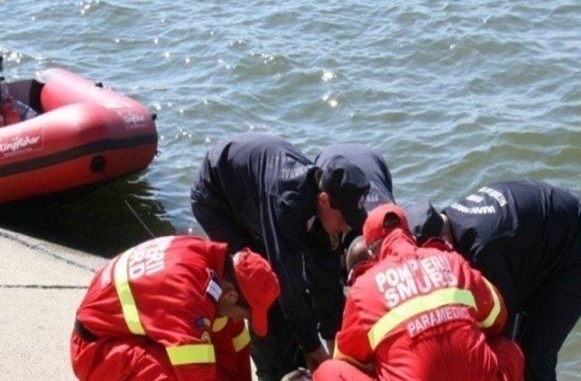 S-a sinucis în fața soției: Un tânăr și-a legat mâinile de picioare și s-a înecat în râu