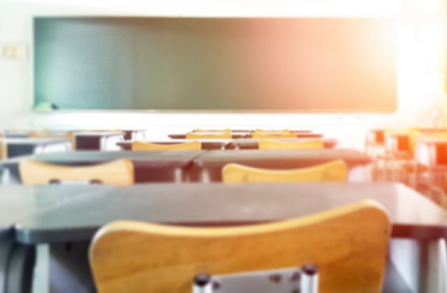 Redeschidere școli în septembrie: cele trei scenarii luate în calcul de autorități