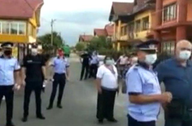 Focar de Covid-19 într-un cartier din Târgu Jiu. Oamenii refuză internarea în spital