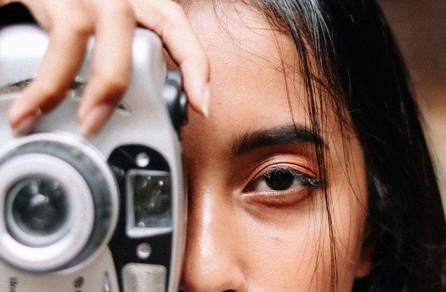 FOTO Acest fotograf călătorește în lumea întreagă pentru a demonstra că frumusețea este un limbaj universal