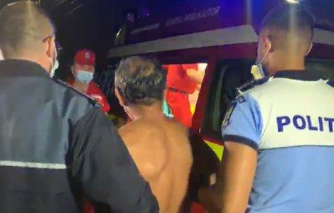 Polițist din Argeș, lovit cu parul în cap de un bărbat recalcitrant
