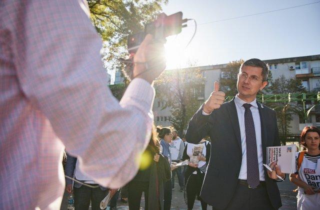 """Barna, după ce a fost acuzat de Orban că a participat la protest: """"Am traversat Piața Victoriei spre casă pentru plăcerea unei plimbări"""""""