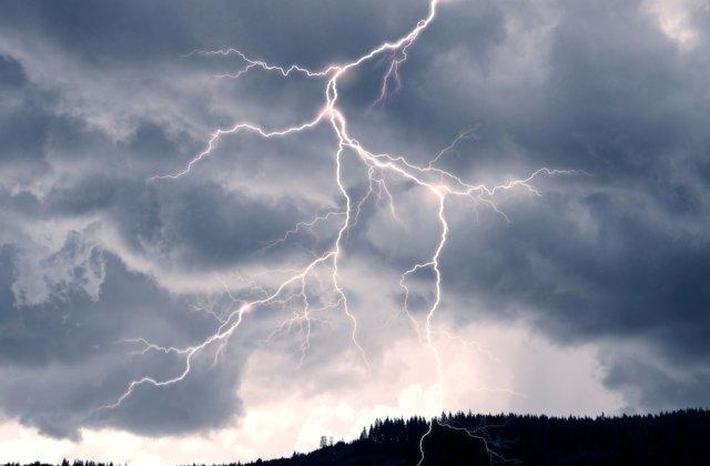 Cod PORTOCALIU și GALBEN de instabilitate atmosferică. Care sunt județele vizate