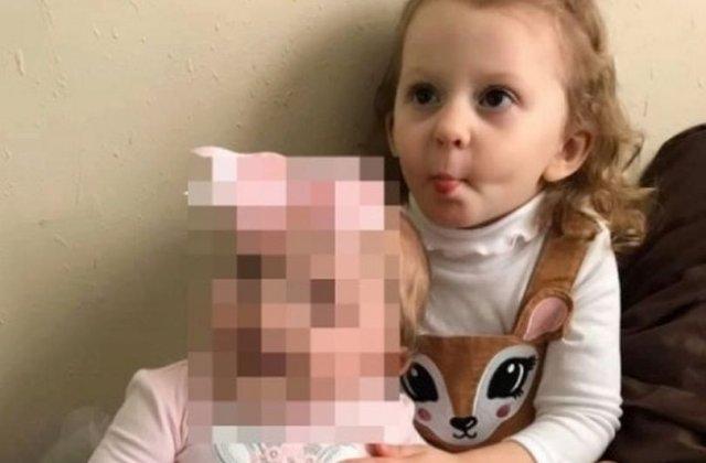 Caz dramatic! O fetiță de trei ani a murit după ce a fost uitată de mama ei în mașina parcată la soare