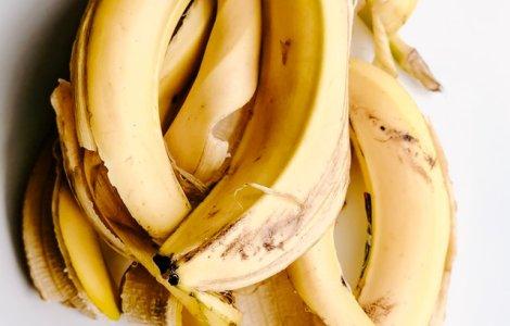 Top Arunci coaja de banană la...