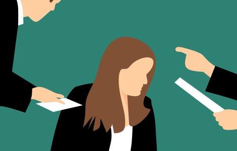 Iohannis a promulgat legea care interzice hărțuirea la locul de muncă