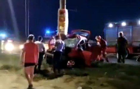 A murit după ce iubita sa, șoferiță începătoare, a încercat să...