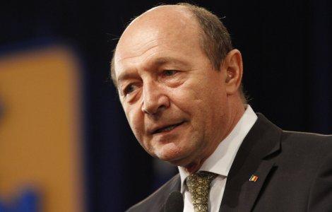"""Băsescu: """"Fiecare pensionar este furat, în medie, cu 904 lei"""""""