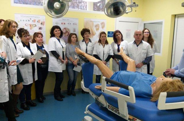 440 de medici și moașe din instituțiile publice și-au îmbunătățit nivelul de competențe