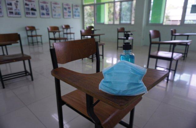 Elevii vor putea intra în școli doar cu o declarație pe proprie răspundere semnată de părinți