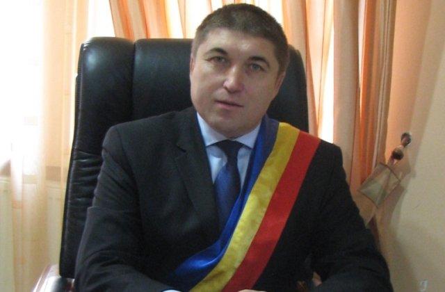 Un primar din Botoșani este susținut atât de PNL, cât și de PSD. Cum explică edilul