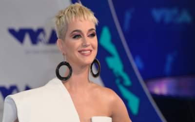 FOTO Katy Perry a născut...