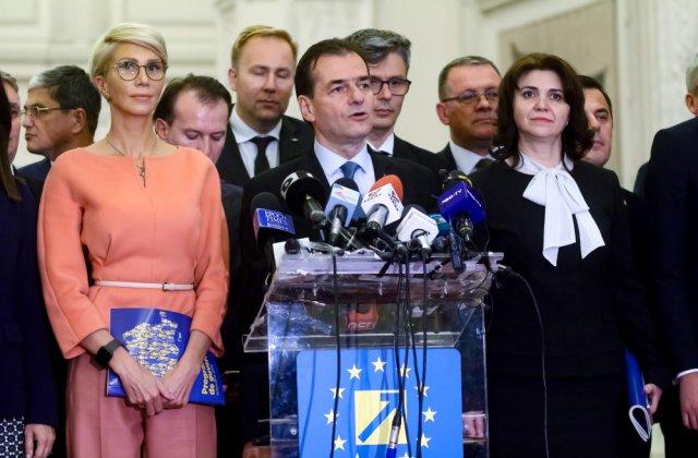 Asociațiile Elevilor, plângere penală pe numele lui Orban, Anisie și Turcan pentru lipsa tabletelor și măștilor din școli