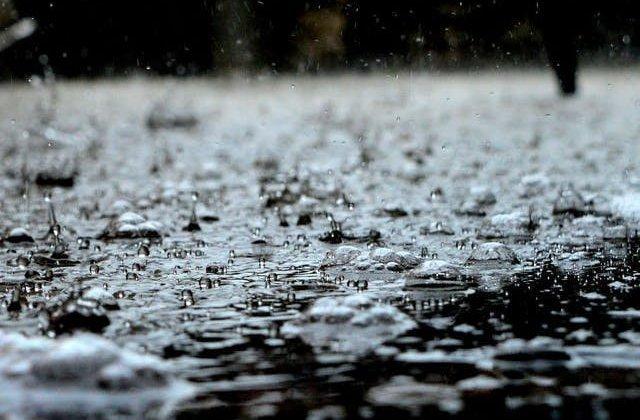Avertizare meteo: Ploi torențiale, vijelii și grindină, până vineri seara