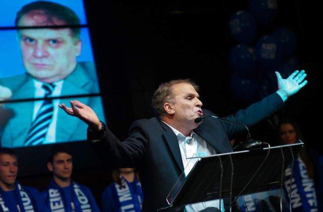 Inca un candidat la prezidentiale renunta la cursa
