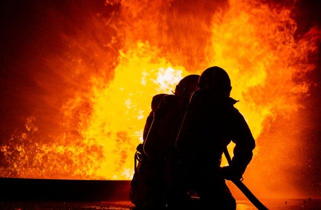 Incendiu izbucnit din cauza unei revolte într-o tabără de refugiați din Grecia
