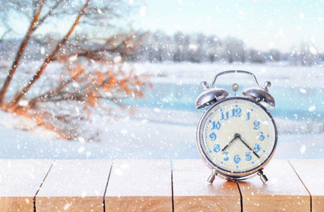 Comisia Europeană propune renunțarea la schimbarea orei de iarnă și vară. Ce efecte negative are asupra organismului