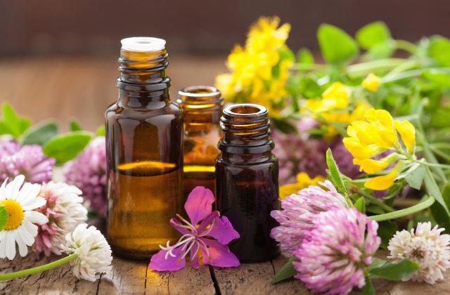 5 uleiuri naturale care te vor ajuta să scapi de riduri
