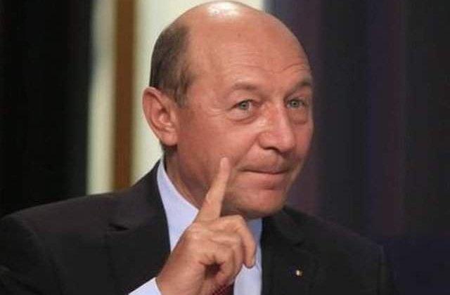 """Băsescu nu se va retrage de la cursa pentru PMB în favoarea lui Nicușor Dan: """"Nu sunt geambaş de voturi"""""""