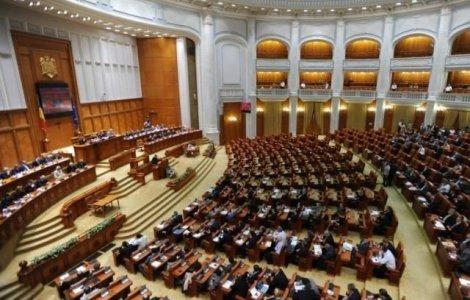 CCR discută astăzi conflictul dintre Guvern și Parlament privind...