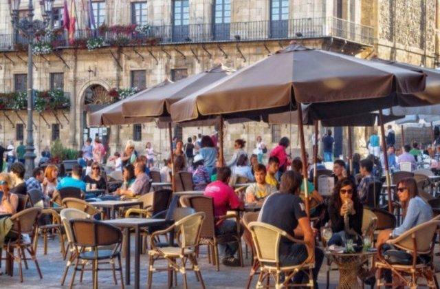 Sancțiuni pentru terasele și restaurantele din Capitală, pentru nerespecarea măsurilor de siguranță